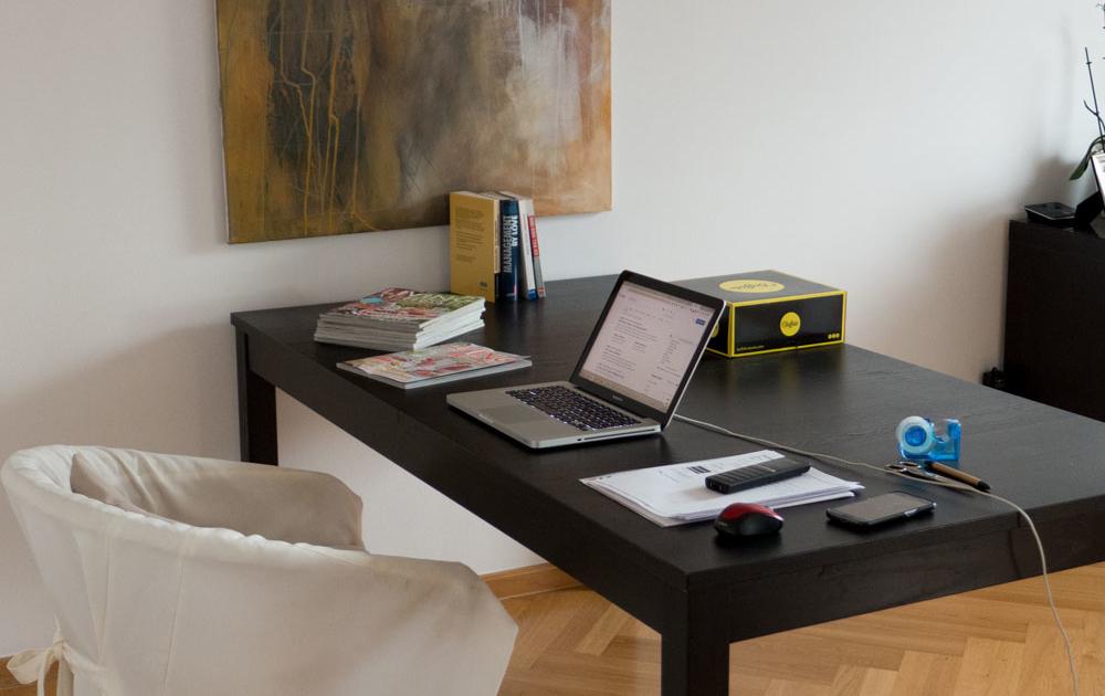 Am ergonomischen Arbeitsplatz im Homeoffice arbeiten