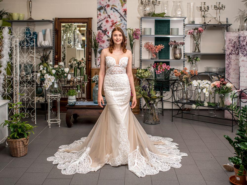 Brautkleid mit viel Spitze ist sehr beliebt