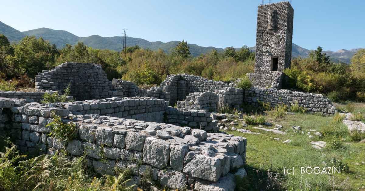 In Ostros befindet sich Kloster Prečista Krajinska