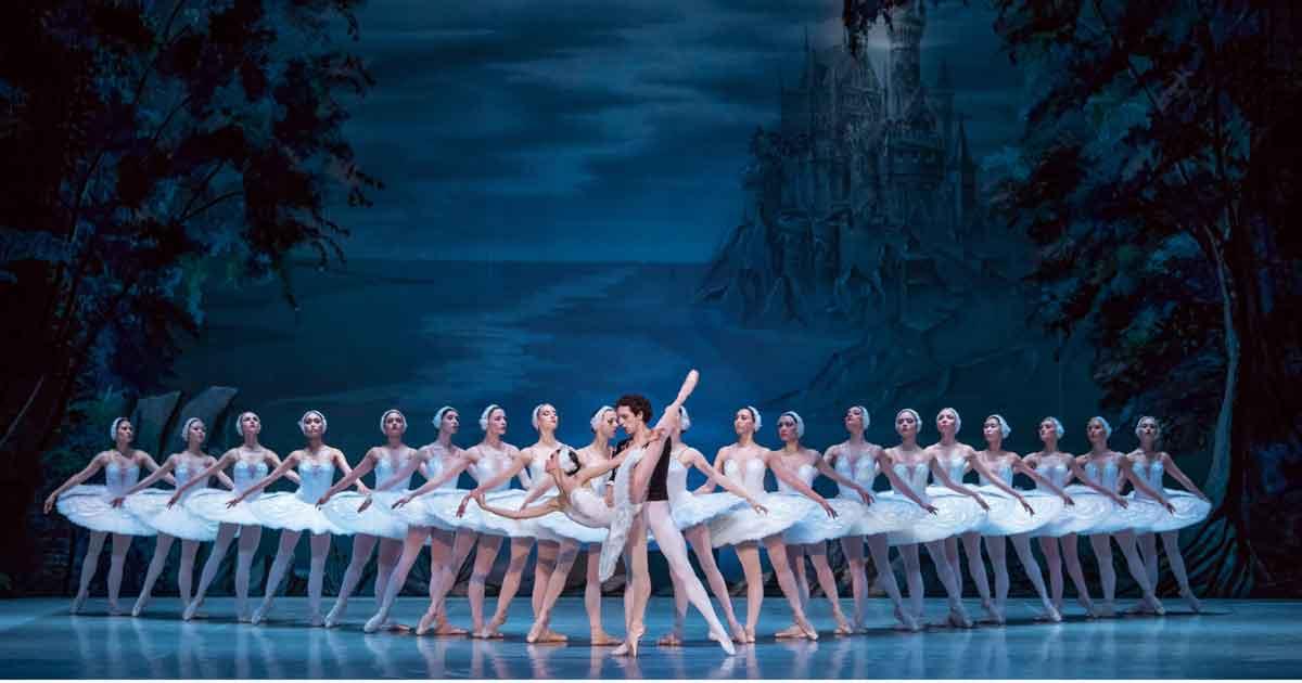 Staatliches Russisches Ballett mit Tschaikowskis Schwanensee, 2. Akt
