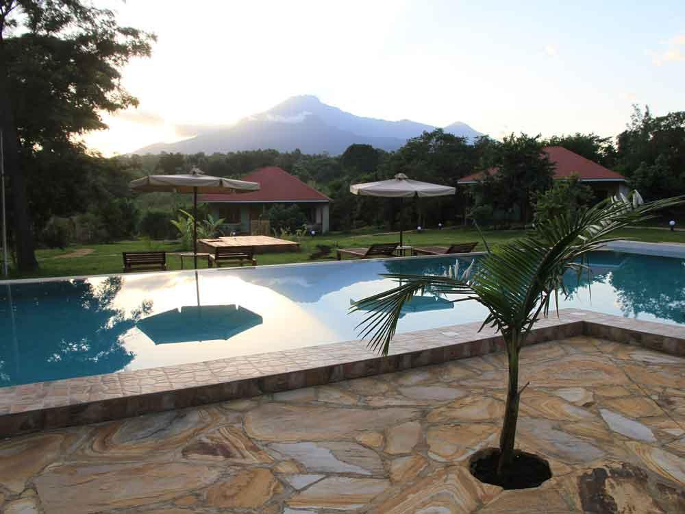 Ein Homeoffice-Arbeitsplatz in einer Lodge in Tansania