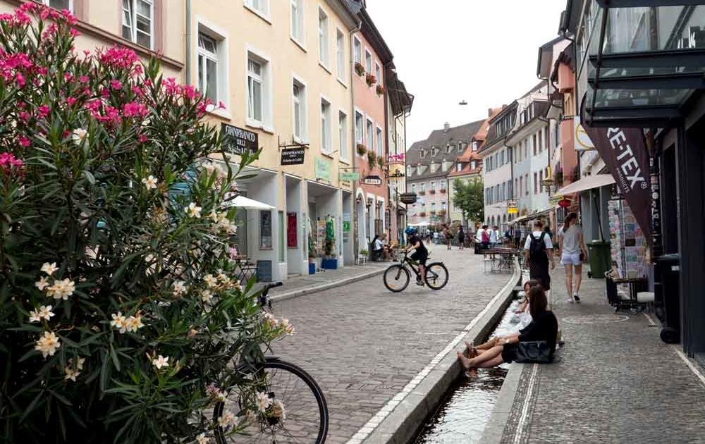 Bächle sind ein Wahrzeichen Freiburg