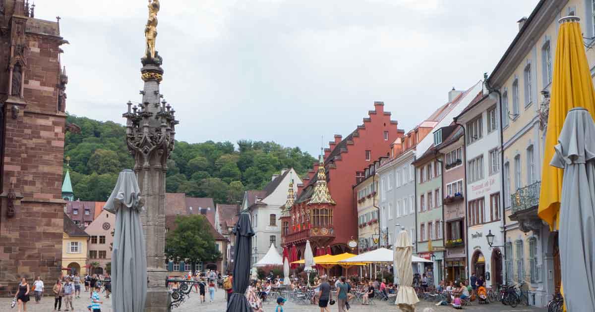 Münsterplatz größter Platz in Freiburger Altstadt