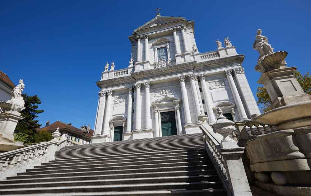 Solothurns St. Ursen Kathedrale ist beliebte Sehenswürdigkeit