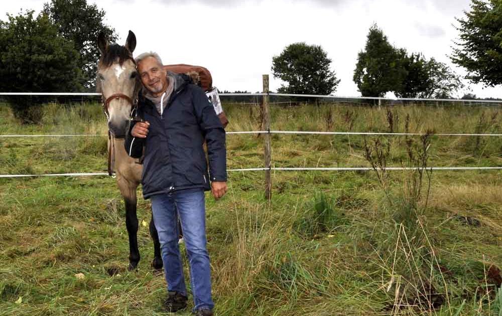 Mit einem Pferd von Deutschland nach China reiten