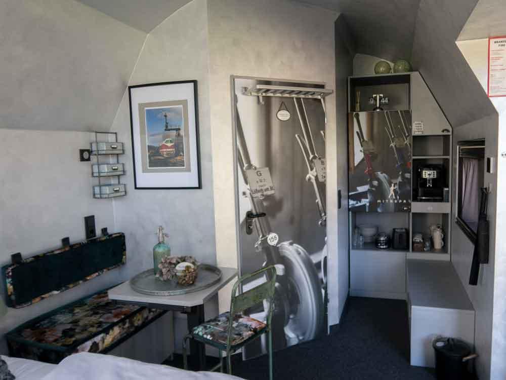 Wohnbereich mit Minbarbereich vom Stellwerk Zimmer